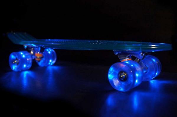 0801132-Skateboard-LEDs-600x399