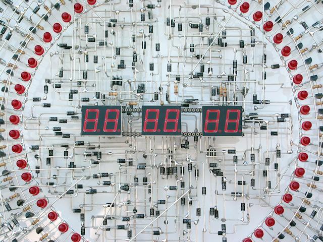 the-clock-02-de